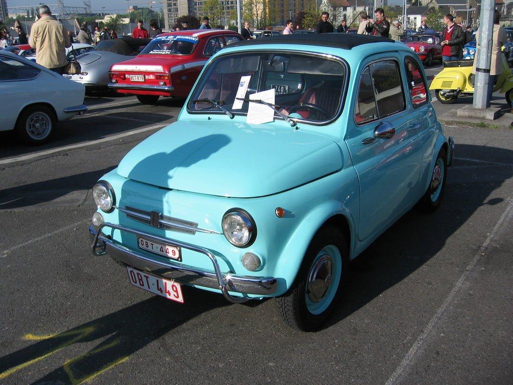 pierwsze auto