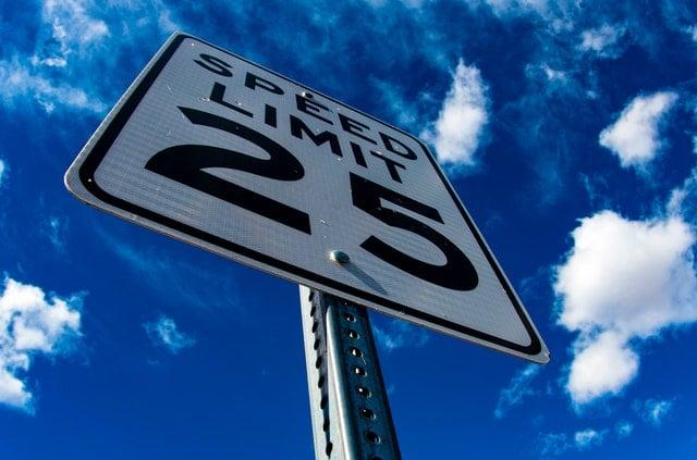 Odcinkowy pomiar prędkości jak działa?