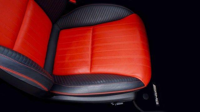 Ile kosztuje obszycie foteli samochodowych skórą?