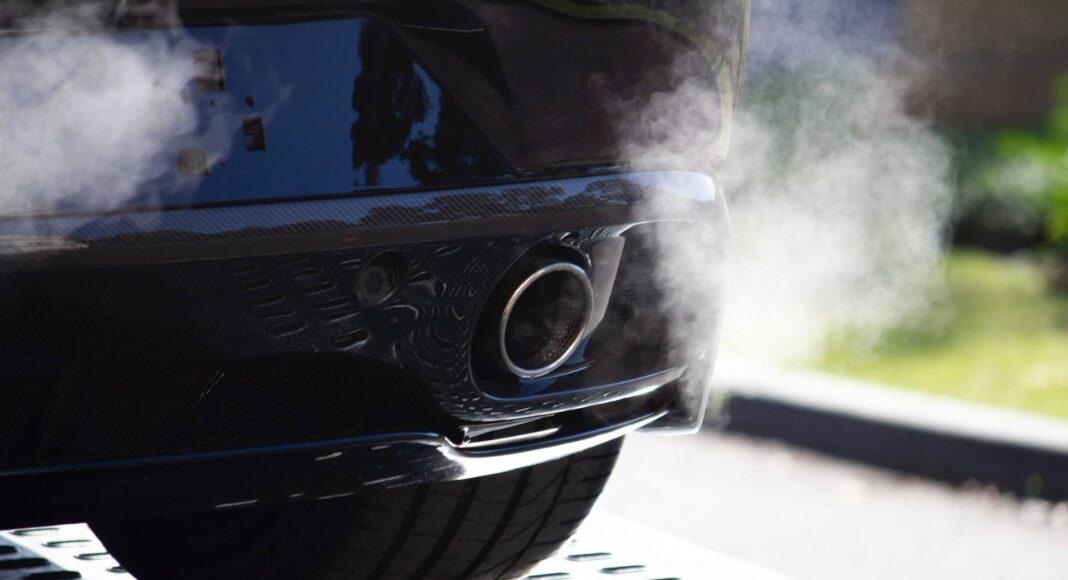 Spaliny samochodowe